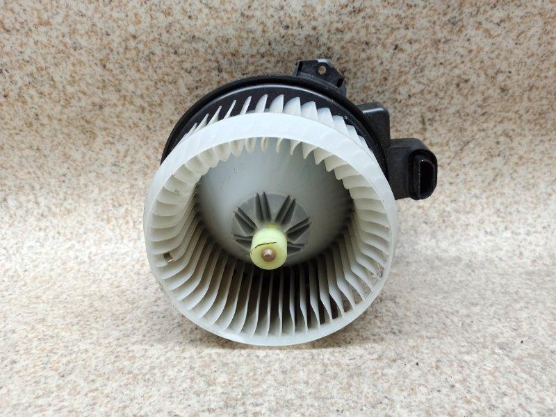 Мотор печки Toyota Prius ZVW30 2012