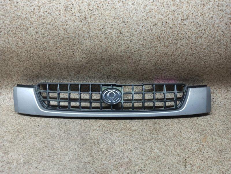 Решетка радиатора Mazda Demio DW3W 1996 передняя