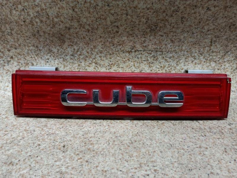 Вставка между стопов Nissan Cube Z12 задняя