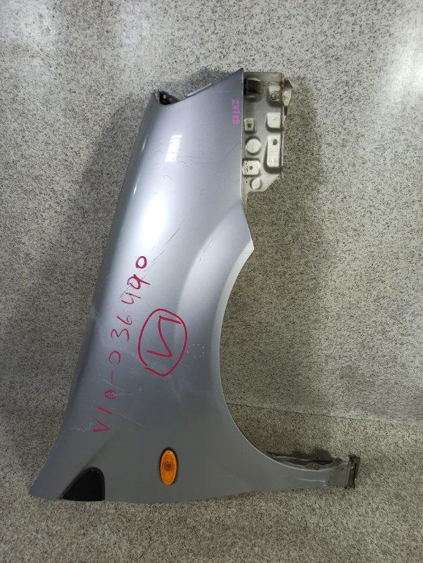 Крыло Nissan Tino V10 переднее правое