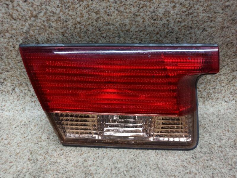 Вставка между стопов Nissan Sunny FB15 задняя левая