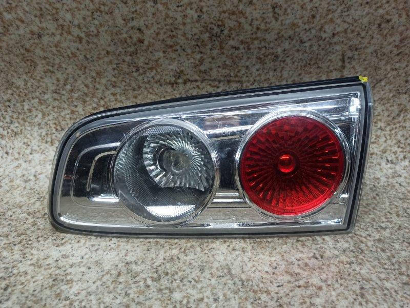 Вставка между стопов Mazda Demio DY3W задняя правая