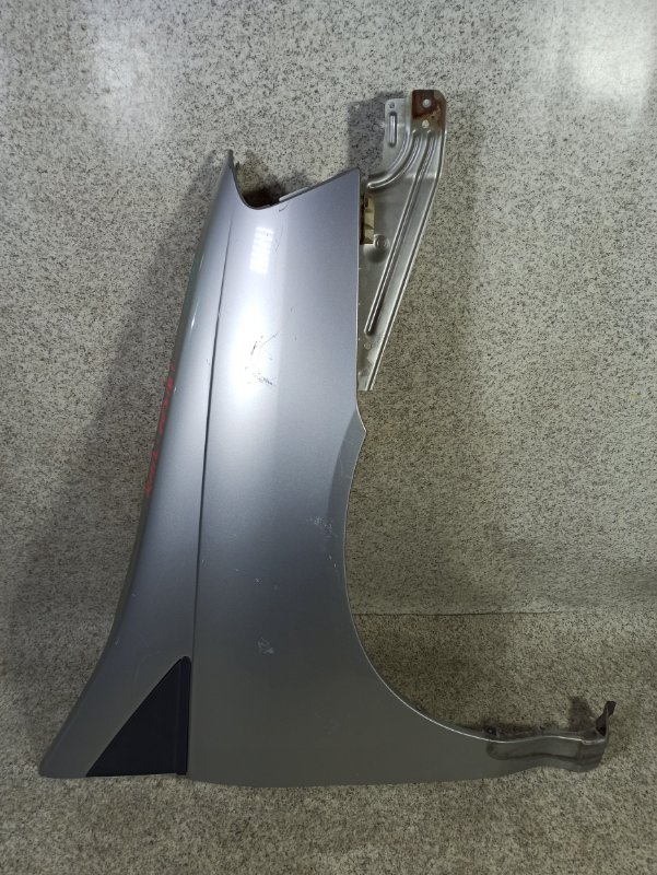 Крыло Nissan Liberty PM12 переднее правое