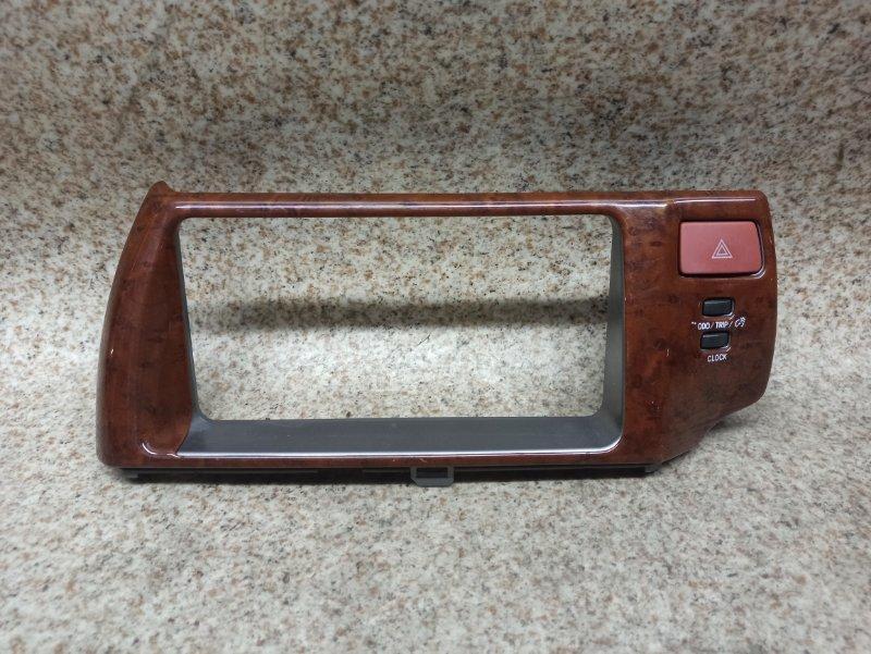 Консоль магнитофона Toyota Ractis NCP100