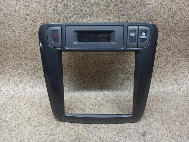 Консоль магнитофона Nissan Liberty PM12
