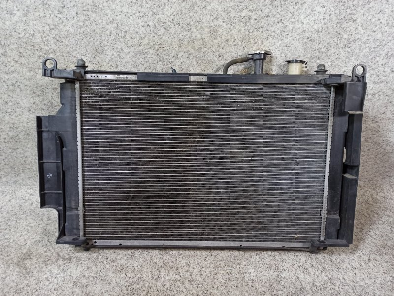 Радиатор основной Toyota Aqua NHP10 1NZ-FXE