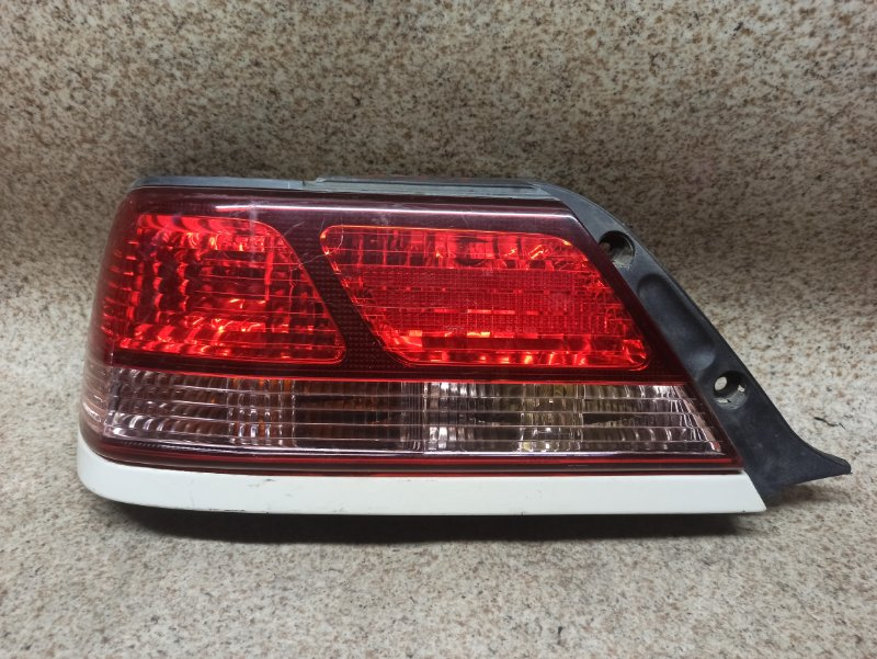 Стоп-сигнал Toyota Cresta GX100 задний левый