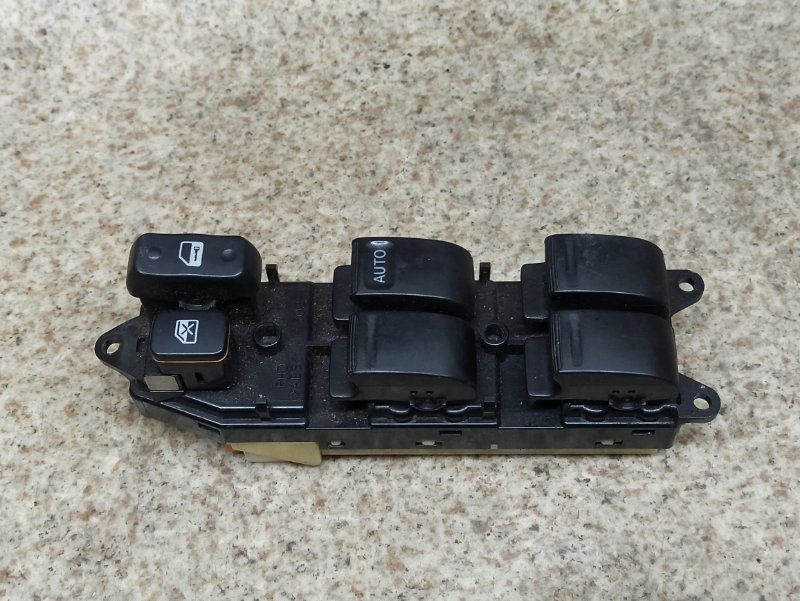Блок упр. стеклоподьемниками Toyota Vista SV50 передний правый