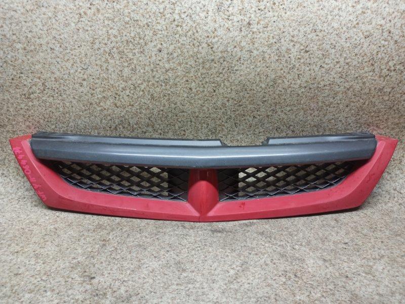 Решетка радиатора Nissan Wingroad WFY11