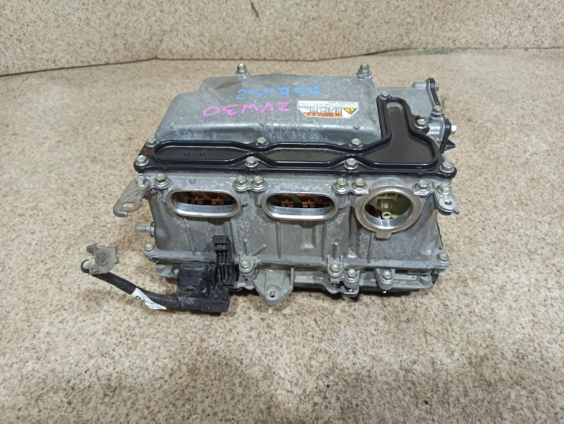 Инвертор Toyota Prius ZVW30