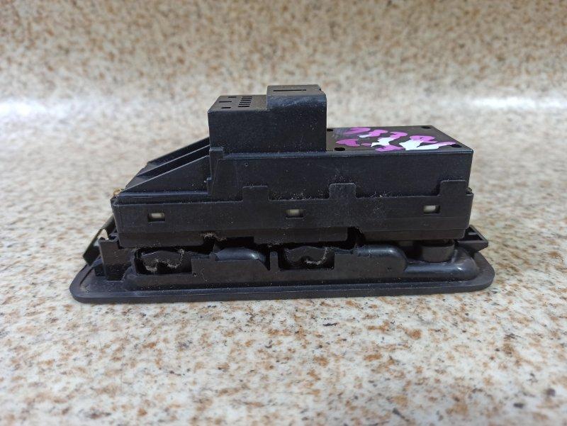 Блок упр. стеклоподьемниками Daihatsu Storia M100A передний правый