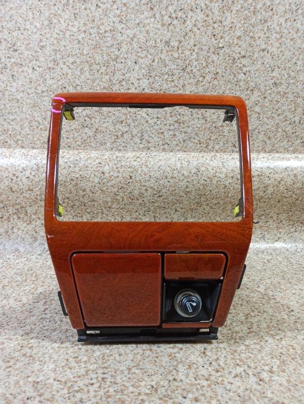 Консоль магнитофона Toyota Progres JCG11