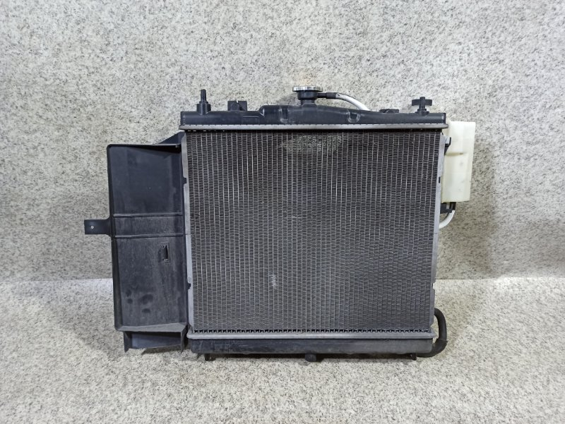 Радиатор основной Nissan Cube BGZ11 CR14DE