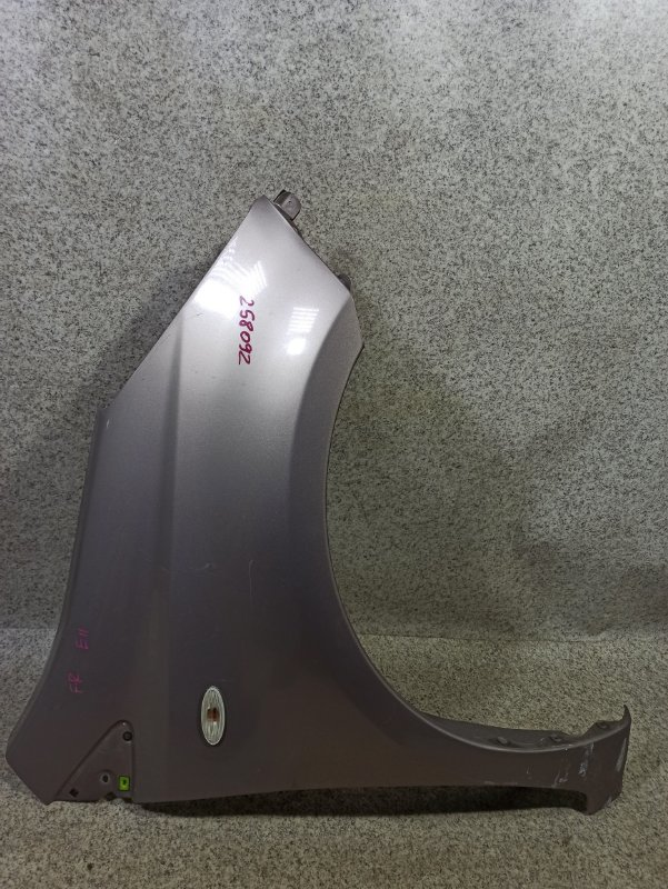 Крыло Nissan Note E11 переднее правое