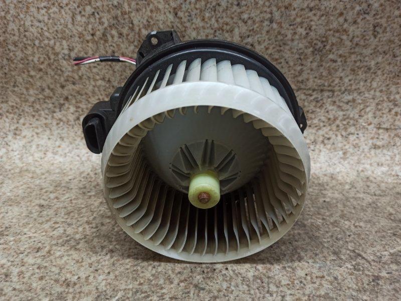 Мотор печки Toyota Ractis SCP100 2SZ-FE 2007