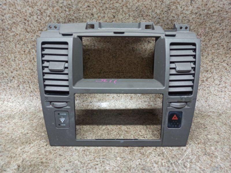 Консоль магнитофона Nissan Tiida C11