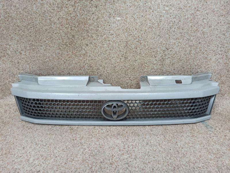 Решетка радиатора Toyota Lite Ace Noah SR40 1997