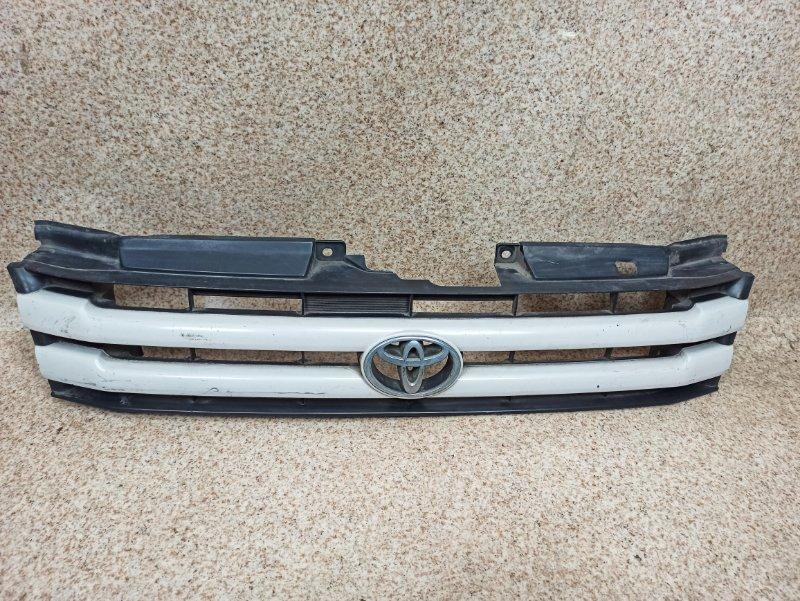 Решетка радиатора Toyota Town Ace Noah SR40 1997