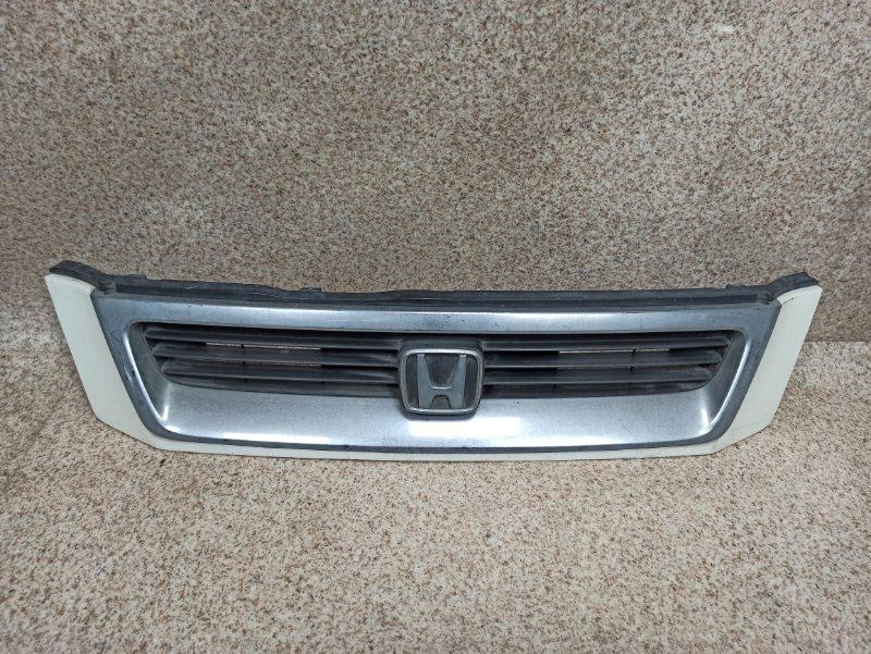 Решетка радиатора Honda Cr-V RD1 2000