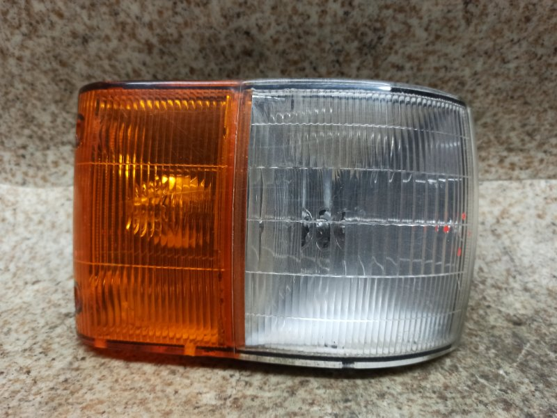 Габарит Mazda Bongo SSF8R передний правый