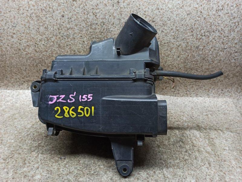 Корпус воздушного фильтра Toyota Crown JZS155