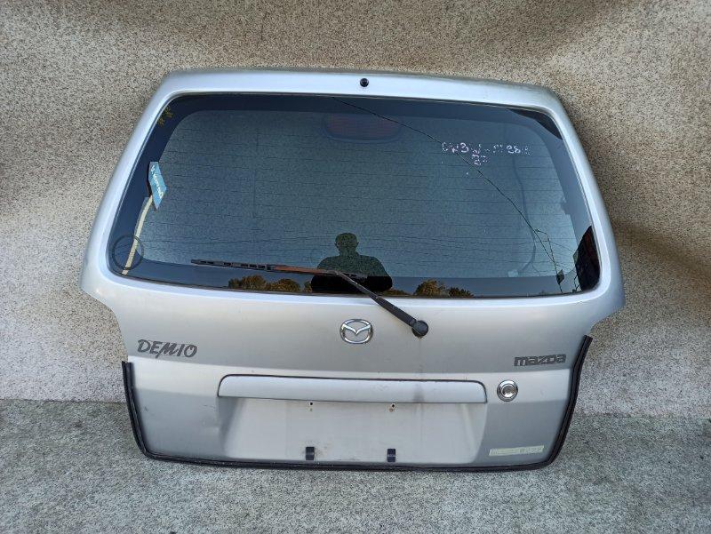 Дверь задняя Mazda Demio DW3W 1998