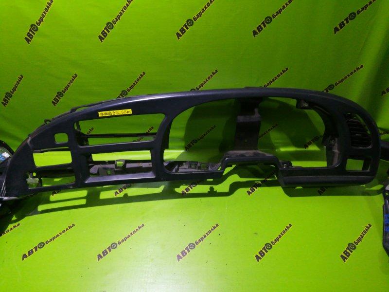 Консоль щитка приборов Isuzu Forward FRR35 6HL1 2003