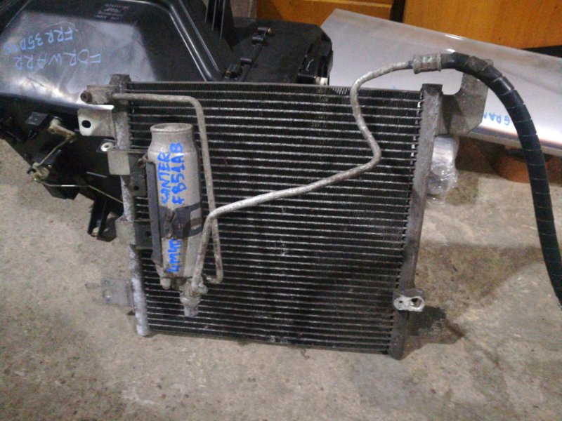 Радиатор кондиционера Mitsubishi Canter FB51AB 4M40 1999