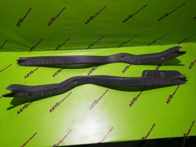 Накладка на порог салона Isuzu Forward FRR35 6HL1 2003 правая