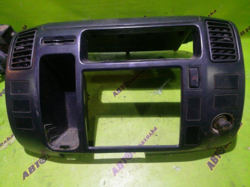 Консоль магнитофона Toyota Duna LY230 5L