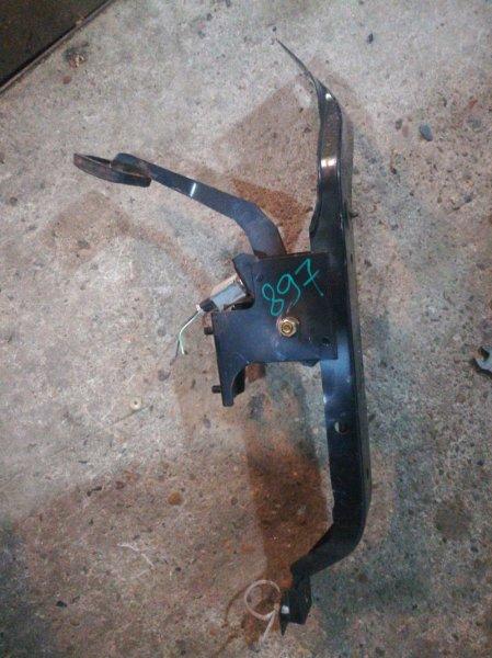 Педаль сцепления Mazda Bongo SK82 F8