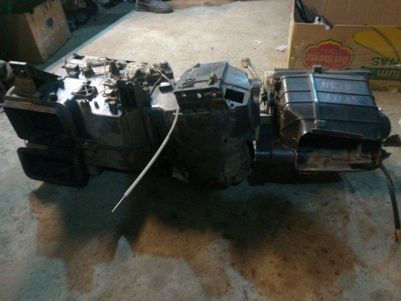 Корпус печки Nissan Atlas APR71
