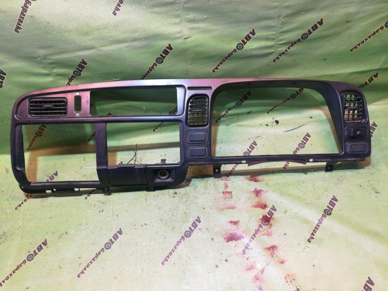 Центральная консоль Mitsubishi Canter FB501 4M40
