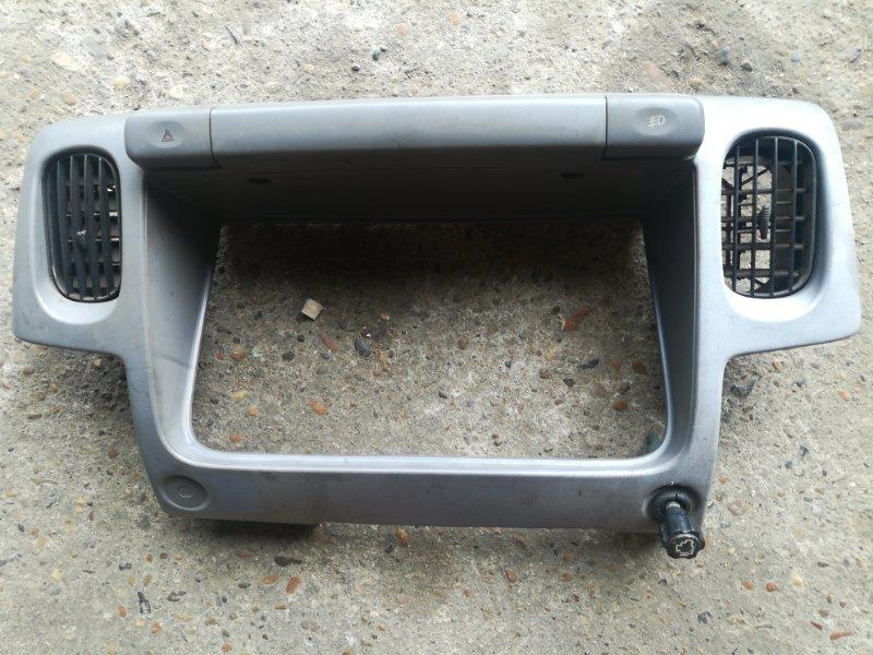 Консоль щитка приборов Nissan Atlas R8F23 N2F23 TD27