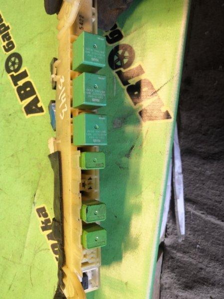 Блок предохранителей Isuzu Elf NKR81 4HL1