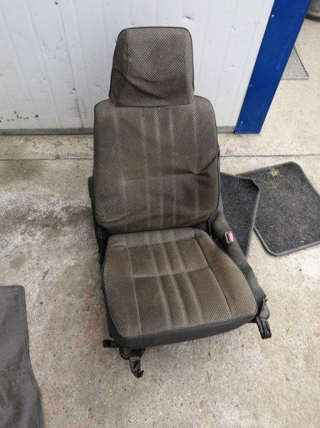 Сиденье Mitsubishi Delica L069.P05.L039.L039G правое