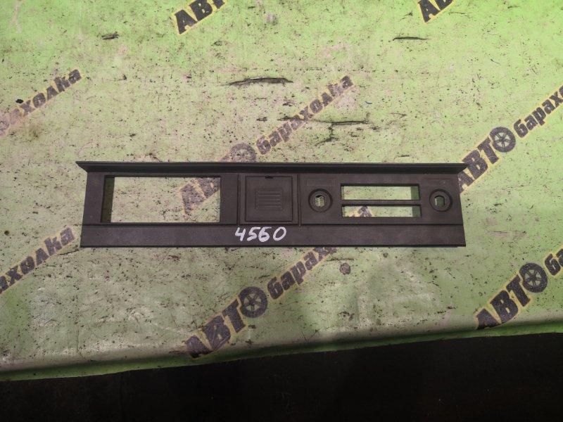Консоль магнитофона Nissan Atlas AMF22 TD27