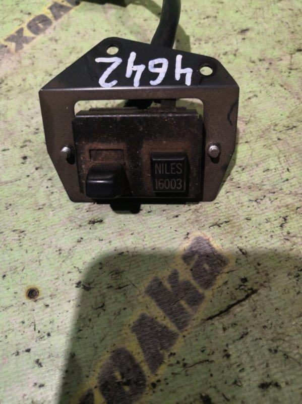 Кнопка аварийной сигнализации Nissan Atlas AMF22 TD27