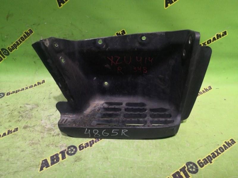 Подножка Hino Dutro XZU414 N04C передняя правая