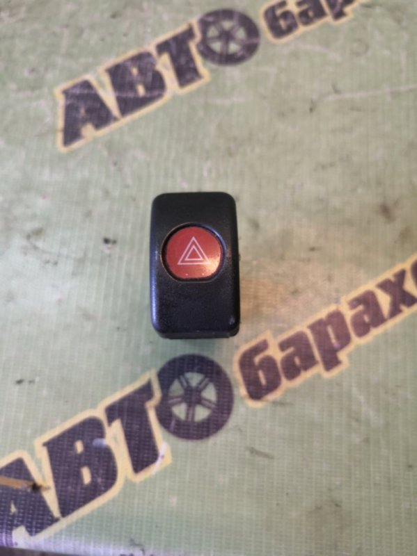 Кнопка аварийной сигнализации Isuzu Elf NKR81 4HL1