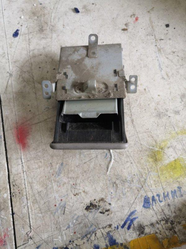 Пепельница Hino Dutro XZU344 N04C 2003