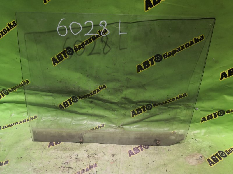 Стекло двери Nissan Atlas F22 Z20 левое