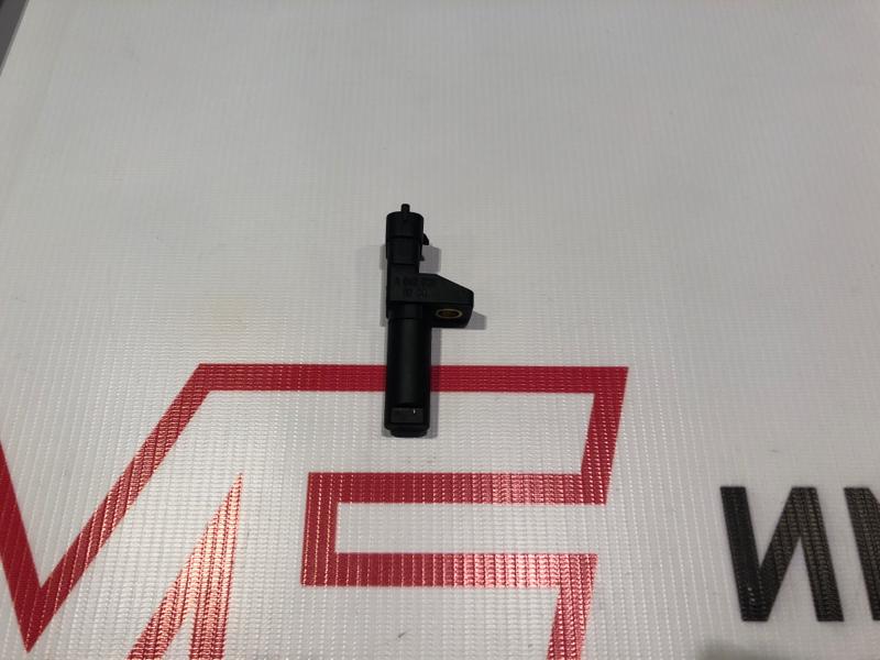 Датчик положения коленвала Mercedes M-Class W164 642.820 2011