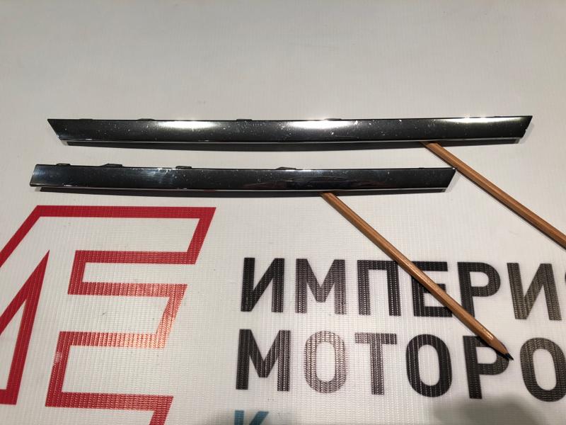 Молдинг решетки радиатора Mercedes M-Class W164 642.820 2011 левый