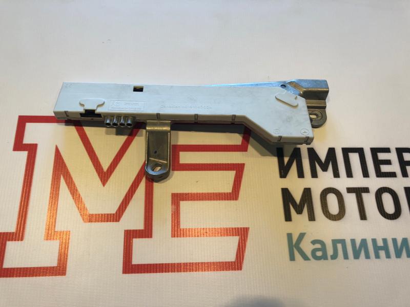 Усилитель антенны Mercedes E-Class W211 646.821 2008