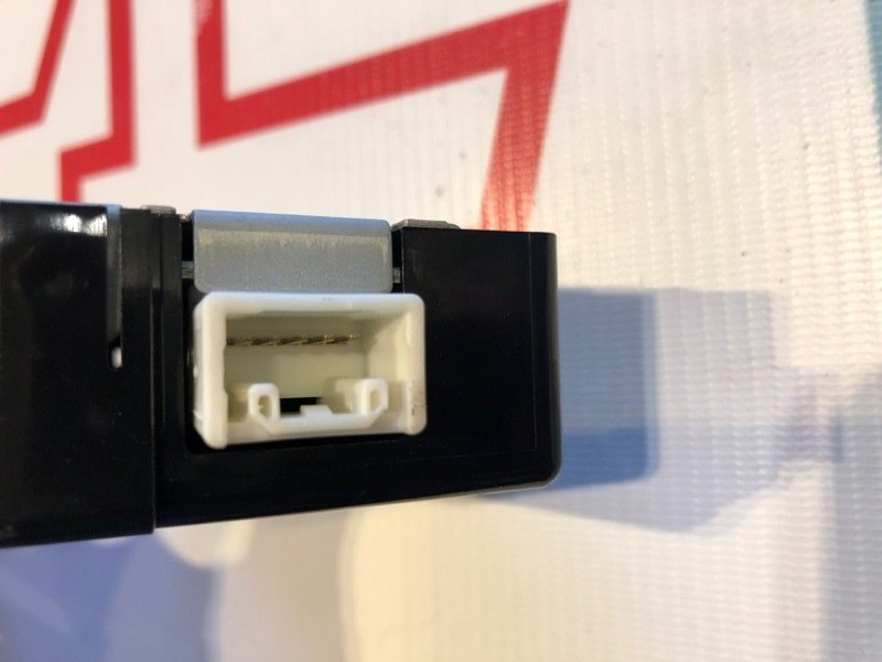 Блок управления дверьми Lexus Rx300 XU10 1MZ-FE 2002