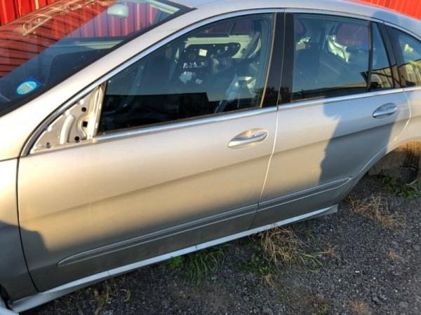 Дверь Mercedes R-Class W251 272.967 2006