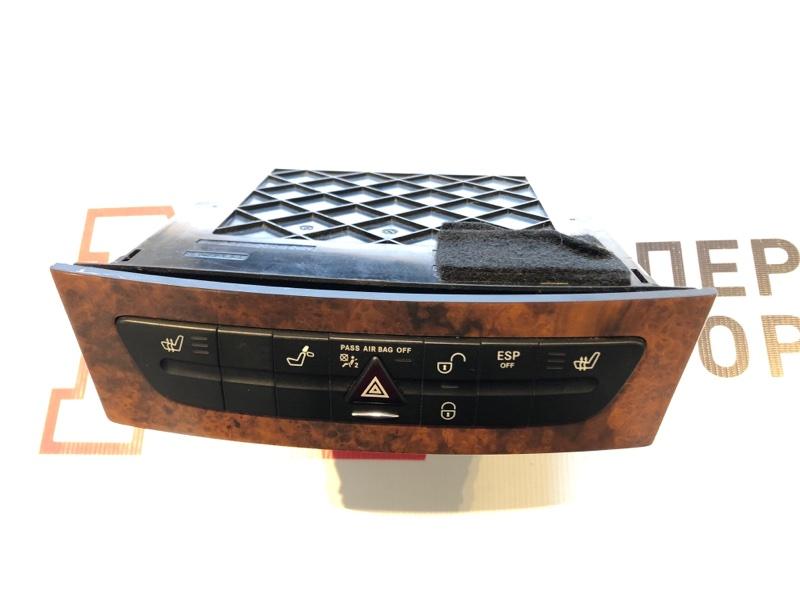 Блок кнопок с вещевым отсеком Mercedes E-Class W211 OM271 2004