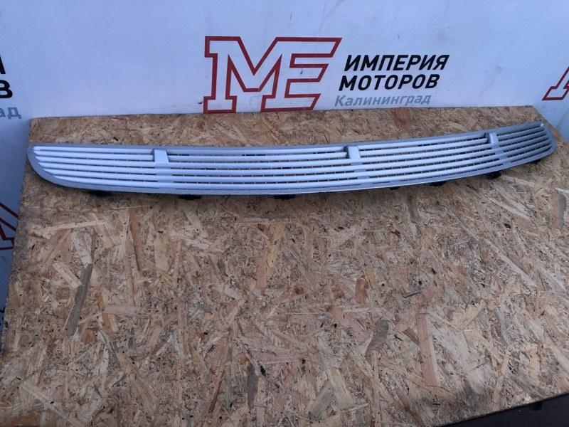 Решетка капота Mercedes R-Class W251 272.967 2006