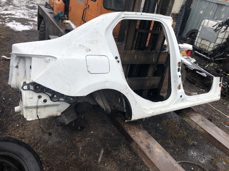 Крыло Renault Logan II 1.6 2017 заднее правое
